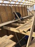 Casa de quadro, casa de quadro de madeira, casa barata, construção de uma casa barata, construção e reparo, tecnologia da constru Foto de Stock Royalty Free