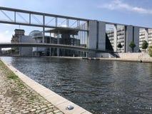 Casa de representantes do Bundestag alemão em Berlim imagens de stock royalty free