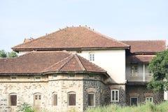 Casa de resto antiga da era britânica imagens de stock