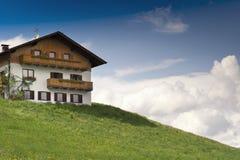 Casa de Rustical en el Tyrol Foto de archivo libre de regalías