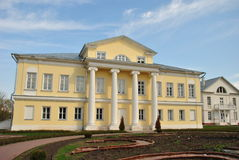 Casa de señorío en el estilo ruso Imagen de archivo libre de regalías