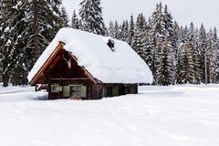 Casa de vacaciones del invierno Imagen de archivo libre de regalías