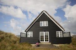 Casa de verão preta Fotos de Stock Royalty Free