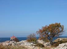 Casa de verano cerca del mar Imagenes de archivo