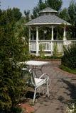 Casa de verano en el parque Fotografía de archivo libre de regalías