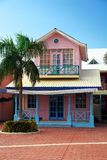 Casa de verano rosada Imágenes de archivo libres de regalías