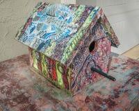 Casa de Zen Tangle Decorated Painted Bird fotos de stock royalty free