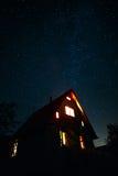 Casa debajo de las estrellas Fotos de archivo