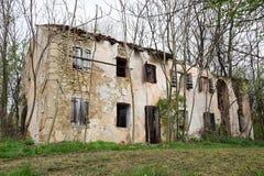 Casa decomposta in Italia del nord Fotografie Stock Libere da Diritti