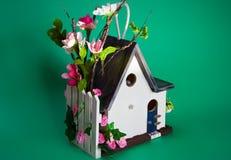 Casa decorada do pássaro Imagem de Stock Royalty Free