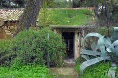 Casa del bosque sobrante por la naturaleza Foto de archivo