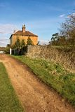 Casa del camino Imagenes de archivo