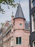 Casa del canale con la torre Fotografia Stock Libera da Diritti