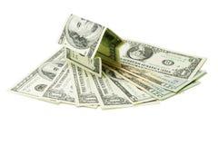 Casa del dinero en notas de dólar americano imagen de archivo