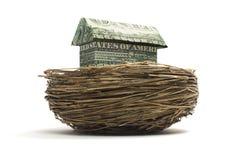 Casa del efectivo de la papiroflexia en jerarquía Fotografía de archivo libre de regalías