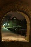 Casa del estilo del artesano en la noche Fotografía de archivo