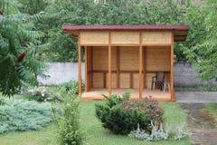 Casa del jardín de la comida campestre Fotos de archivo libres de regalías