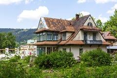 Casa del ladrillo, construida alrededor del año 1910 en Zakopane Imagen de archivo libre de regalías