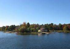 Casa del lago Imagen de archivo