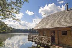 Casa del lago Immagini Stock Libere da Diritti