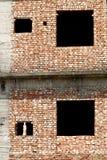 Casa del mattone e due wondiws vuoti Immagine Stock Libera da Diritti