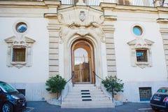 Casa del monstruo cerca de los pasos españoles Foto de archivo libre de regalías