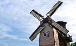Casa del mulino a vento Fotografia Stock Libera da Diritti