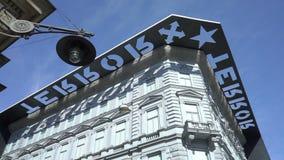 Casa del museo del terror en Budapest, Hungría almacen de metraje de vídeo
