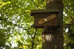 Casa del pájaro para el alquiler Imagenes de archivo