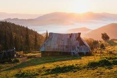 Casa del pastore in alta montagna Fotografia Stock Libera da Diritti