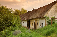 Casa del pobre hombre Imagenes de archivo