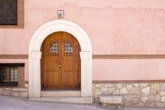 Casa del portone di un villaggio Castilian Fotografie Stock