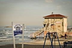Casa del salvavidas en la playa de Tel Aviv, Israel Imagenes de archivo