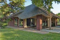 Casa del servicio del hogar en casa de campo del juego de Kudus Rus Foto de archivo