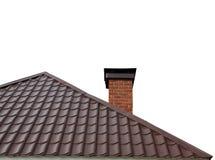 Casa del tejado con la chimenea en el fondo blanco Foto de archivo libre de regalías