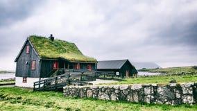 Casa del tejado de la hierba Fotos de archivo