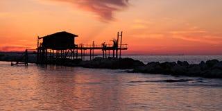 Casa del zanco sobre el mar Imagen de archivo