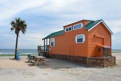 Casa della cabina sulla spiaggia di Florida Fotografia Stock