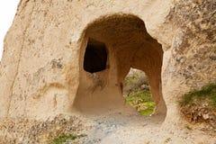 Casa della caverna in roccia compatta fotografia stock
