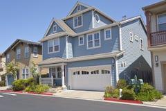 Casa della famiglia numerosa in Richmond California immagini stock libere da diritti