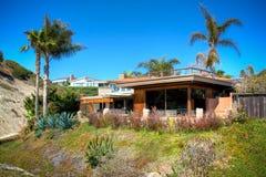 Casa della parte anteriore della spiaggia del San Clemente immagine stock libera da diritti