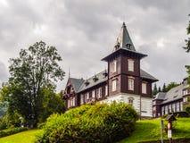 Casa della stazione termale nella località di soggiorno di stazione termale di Karlova Studanka, Hruby Jesenik, repubblica Ceca Fotografia Stock Libera da Diritti