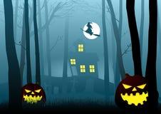 Casa della strega nel legno spaventoso scuro royalty illustrazione gratis