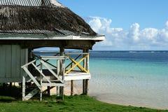 Casa dello Stilt sulla spiaggia fotografie stock libere da diritti