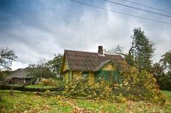 Casa después del huracán fotos de archivo