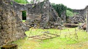 Casa destruída durante a guerra mundial 2 no sur Glane França de Oradour vídeos de arquivo
