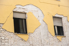 Casa destruida después del terremoto en L'Aquila Fotografía de archivo