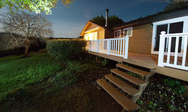 Casa di campagna alla notte Fotografie Stock