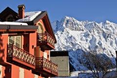 Casa di campagna delle montagne Fotografie Stock