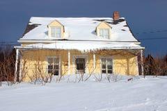 Casa di campagna gialla Fotografie Stock